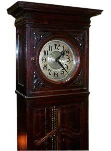 Хранение напольных часов