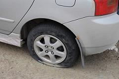 Дырявое колесо, нужен шиномонтаж